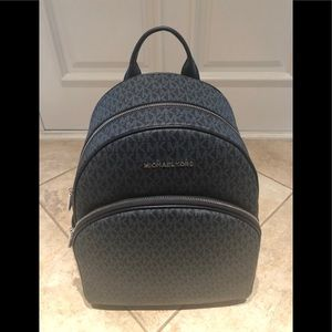 MICHAEL KORS Abbey Large Backpack. Color:Admiral.